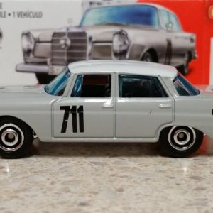 100 100 MB1212 GKK40 M38 GKN87 DNK70 1962 '62 Mercedes Benz 220 SE Sedan   Matchbox 03