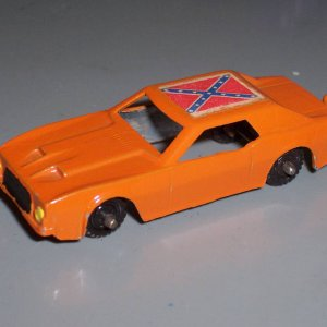 Midgetoy Dukes Of Hazzard  General Lee with Rebel Flag