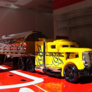 Hot wheels Convoy Custom 3 axles