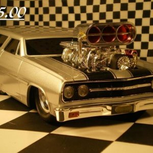 SILVER CHEVELLE WAGON LOWERED 001
