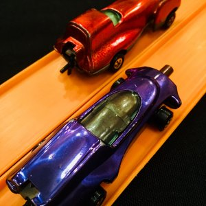 Johnny Lightning staged race