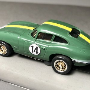 Jaguar E-Type - olive green
