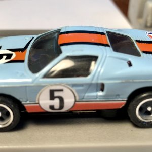 Ford G.T. 40 - gulf colors