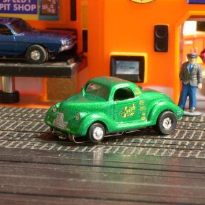 Randy/Hilltop Resins> Coupe body, build to look like the 1:1 Mr. Irish '40 Custom Chevy Coupe Gasser.